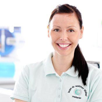Melanie<br>Zahnmed. Fachassistentin (ZMF)<br>für Prophylaxe